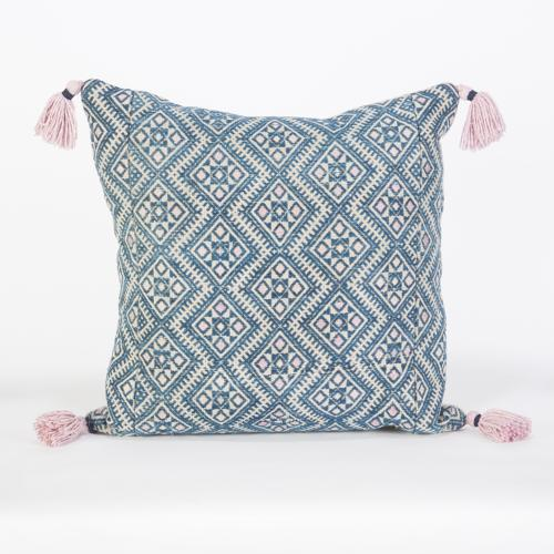 Zhuang Wedding Blanket Cushions with Tassels