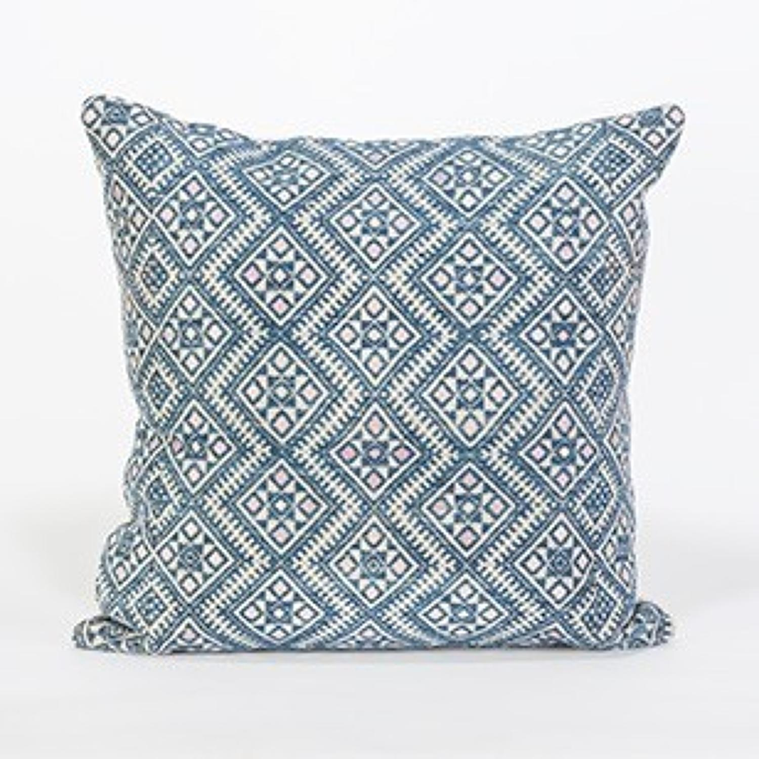 Zhuang Wedding Blanket Cushions