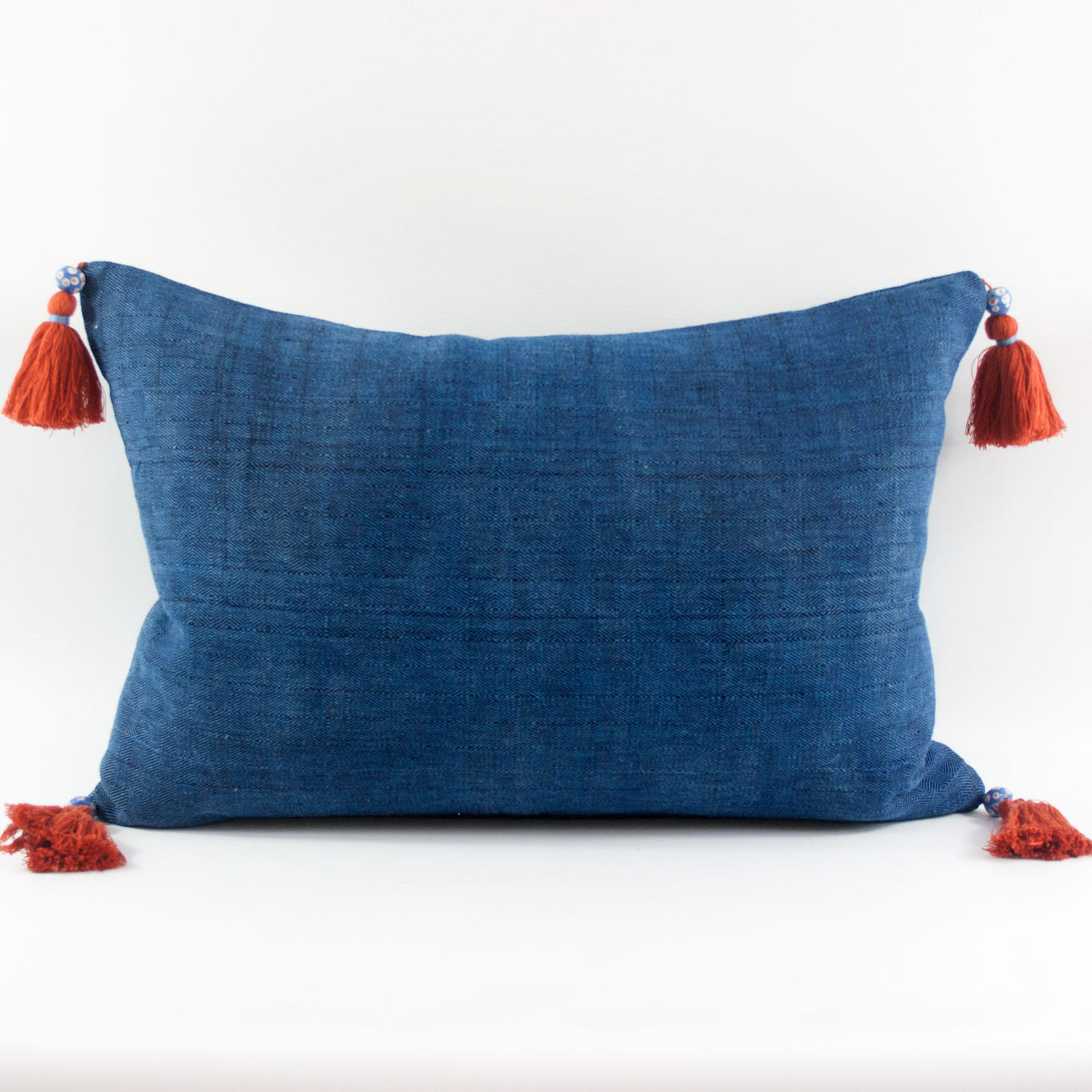 Shui Cushions with Tassels