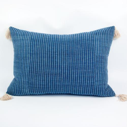 Shui Cushions with Tassels