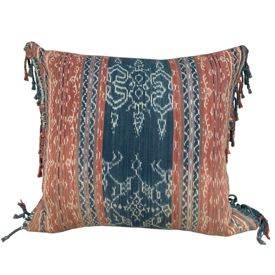 Flores ikat cushion with fringed sides
