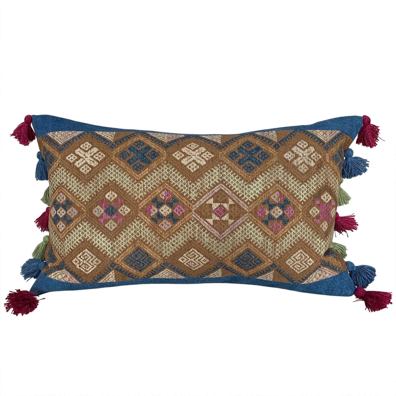 Buyi wedding blanket cushion with tassels