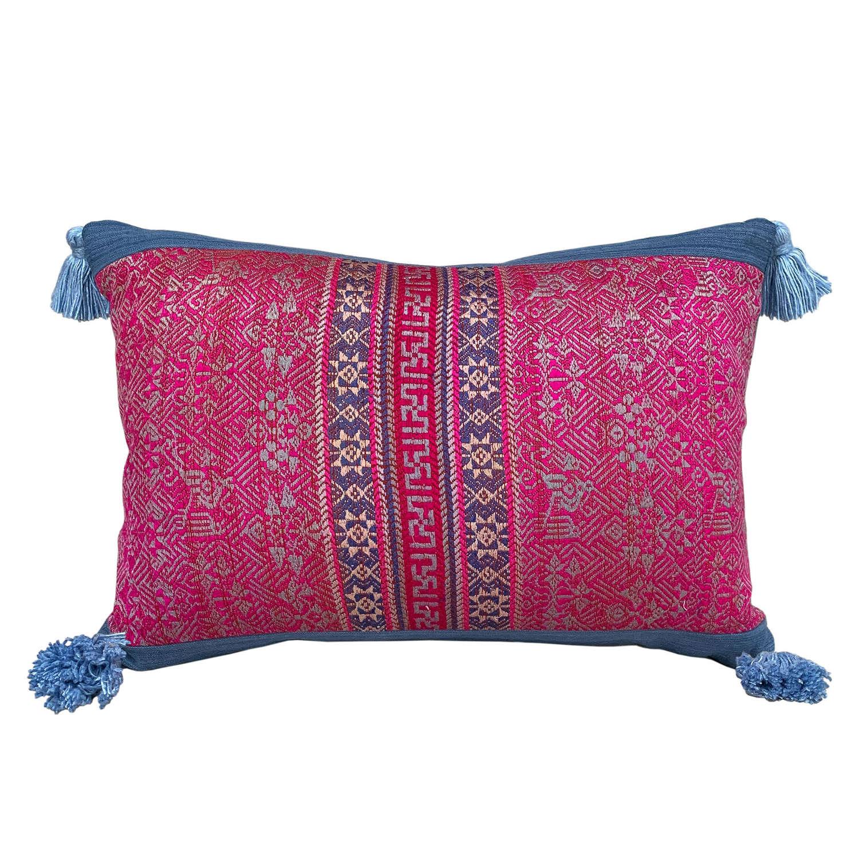 Maonan cushions with silk tassels