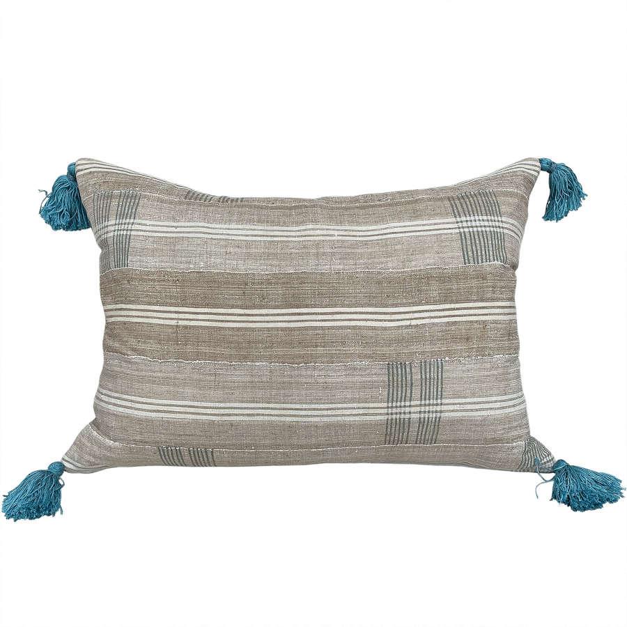 Yoruba cushion with tassels