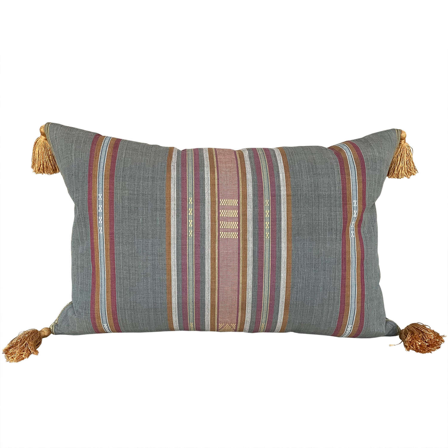 Lombok cushions with tassels