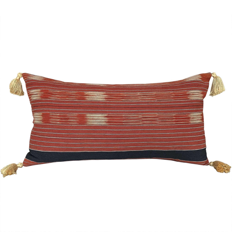 Long Karen cushion with tassels
