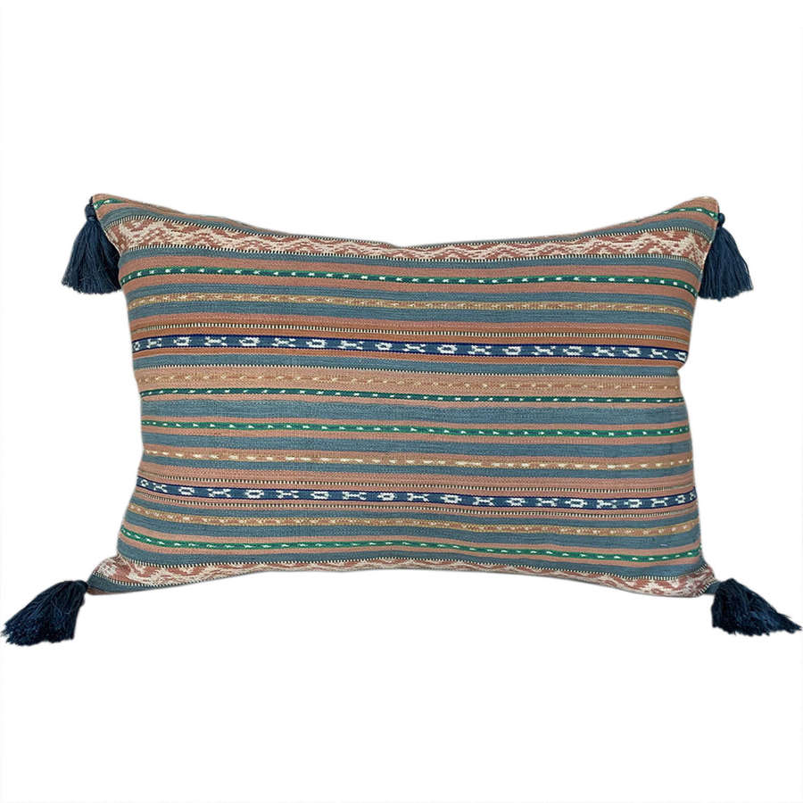 Flores ikat cushion with tassels