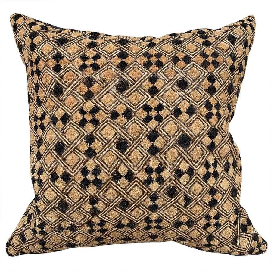 Kuba cloth cushion, cut pile