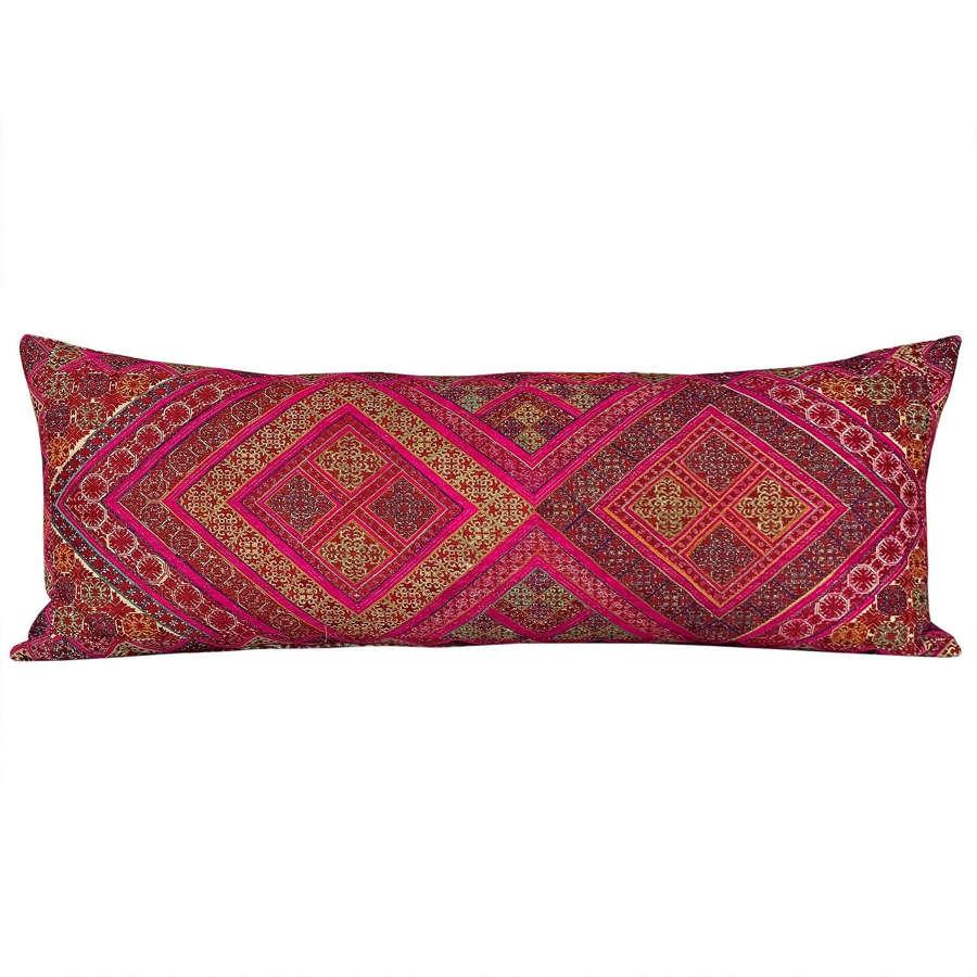 Long Swat marriage pillow