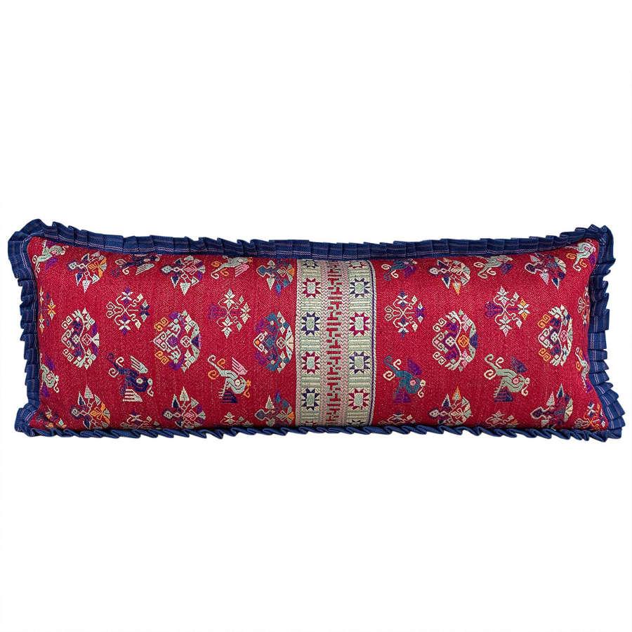 Maonan cushion with frill trim