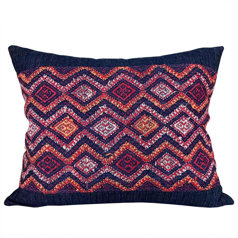 Yao wedding blanket cushion