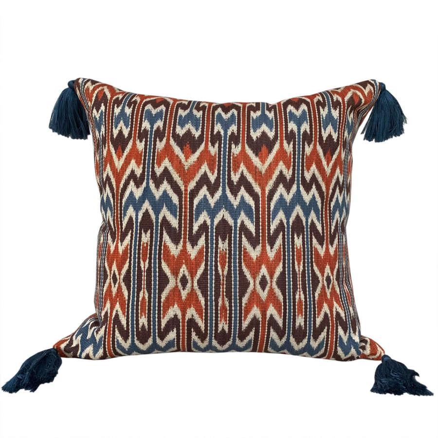 Sekomandi cushions with tassels