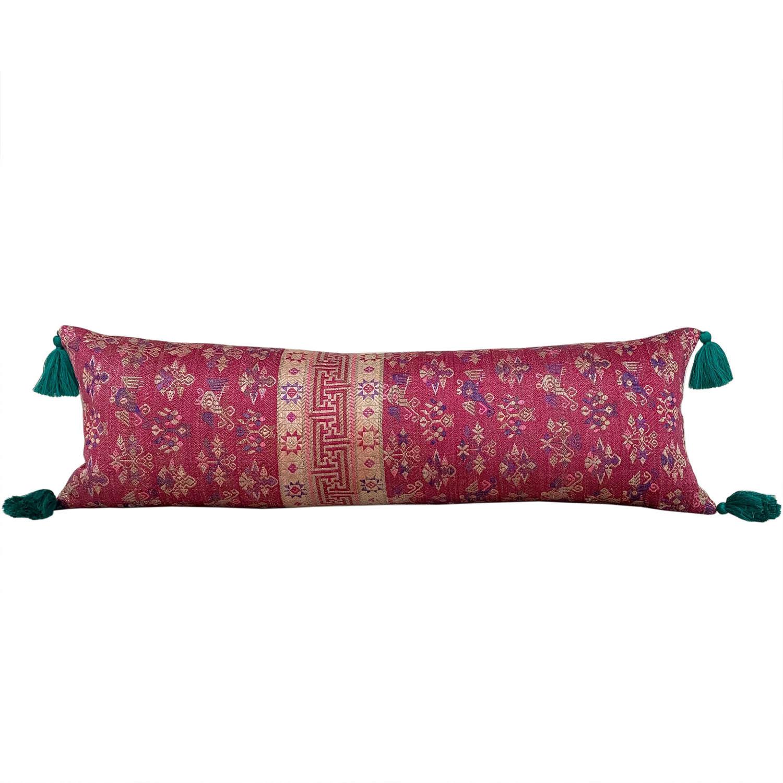 Maonan wedding blanket cushions with green tassels
