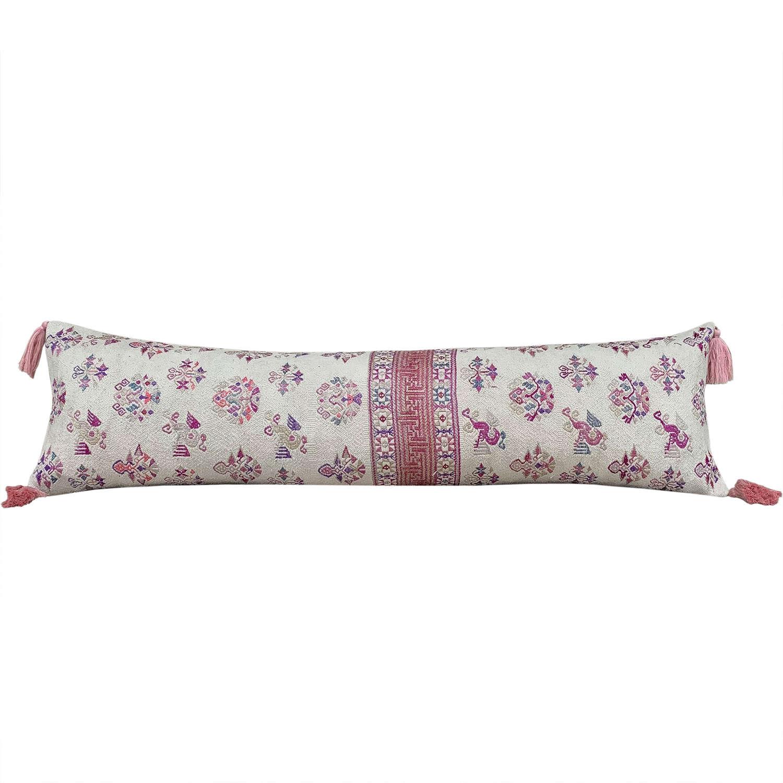 Maonan long cushion with pink tassels
